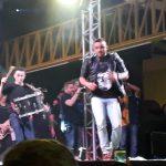 O 1° aniversário do Sertão Central Atacarejão, bate recorde de público no quarto e último dia de festa com o cantor Junior Vianna