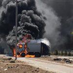 Caminhão de lixo incendeia em Caucaia