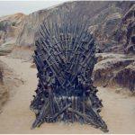 Trono de ferro de Game of Thrones é encontrado na praia de Beberibe