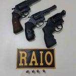 Ação policial resulta em três armas apreendidas e suspeito preso em Cascavel