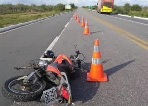 Acidentes de trânsito provocam 17 mortes no Ceará no fim de semana, a maioria em colisões e quedas de motocicletas