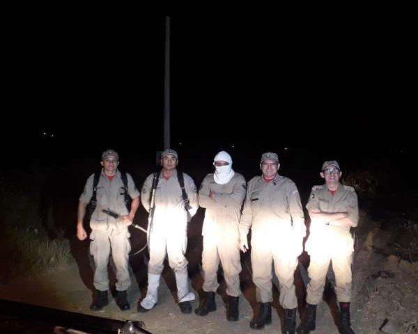 Bombeiros da 2ª Companhia debelam incêndio em vegetação em Tamboril