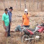 Motociclista morre após sobrar em curva e cair em um barranco entre Quixadá e Choró