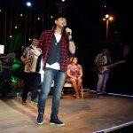 Veja o vídeo:O cantor Vicente Nery muito emocionado diz que Deus segurava sua mão