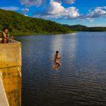 Vídeo: Barragem de Quixeramobim ganha mais de 2 metros de aporte, após liberação do açude Fogareiro