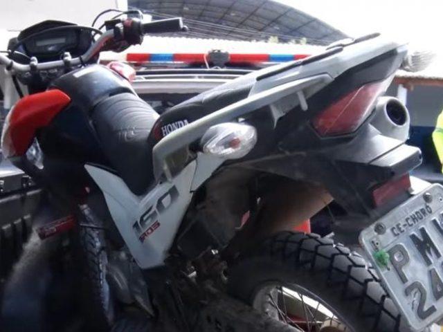 Dois adolescentes são apreendidos por furto de motocicleta em Quixeramobim