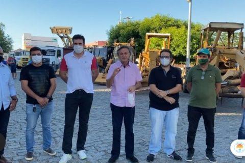 Veja o Vídeo: O Prefeito Cirilo Pimenta anúncia revitalização de todas as estradas da cidade de Quixeramobim